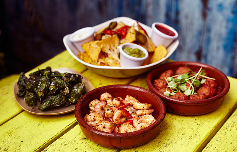 Camden Market food - The Cuban tapas with nachos, prawns, meatballs and padron peppers